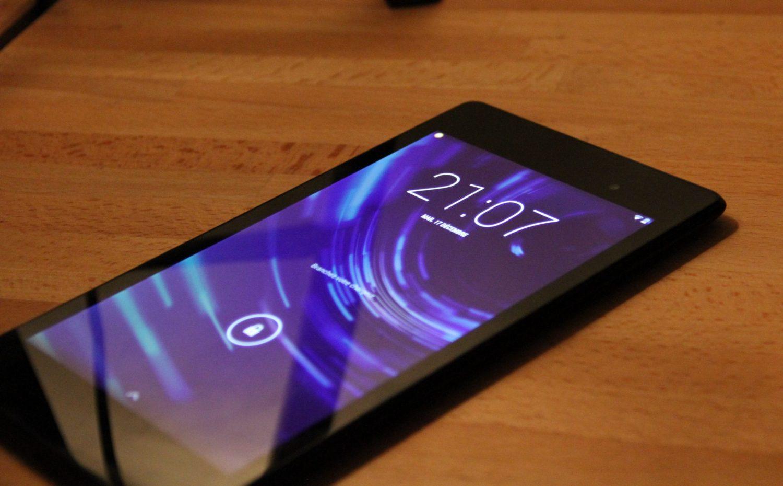 Prise en main du Nexus 5, le dernier smartphone de Google.