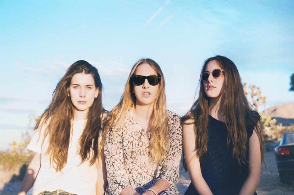 Les soeurs Haim nous ensoleille avec un album pop pétillant